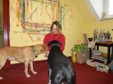 Meine Hunde Barni undSancho und ich. Foto: Vera Kramer
